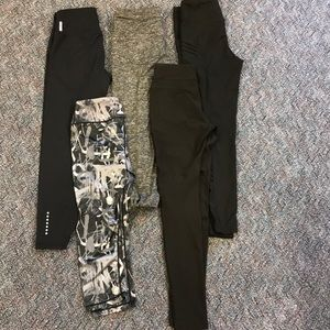 Bundle of 5 small activewear capris/ leggings